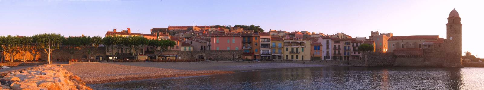 Name: Collioure panorama Camera make: Canon   Model: Canon   Software: DoubleTake-2.2.4